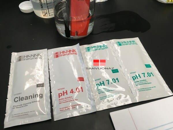 Các gói dung dịch hiệu chuẩn máy đo pH ở dạng lỏng