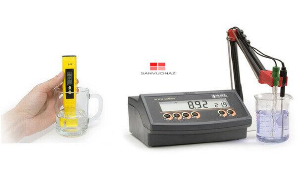 Máy đo độ pH có cấu tạo gồm 2 phần: đầu dò và đồng hồ báo kết quả